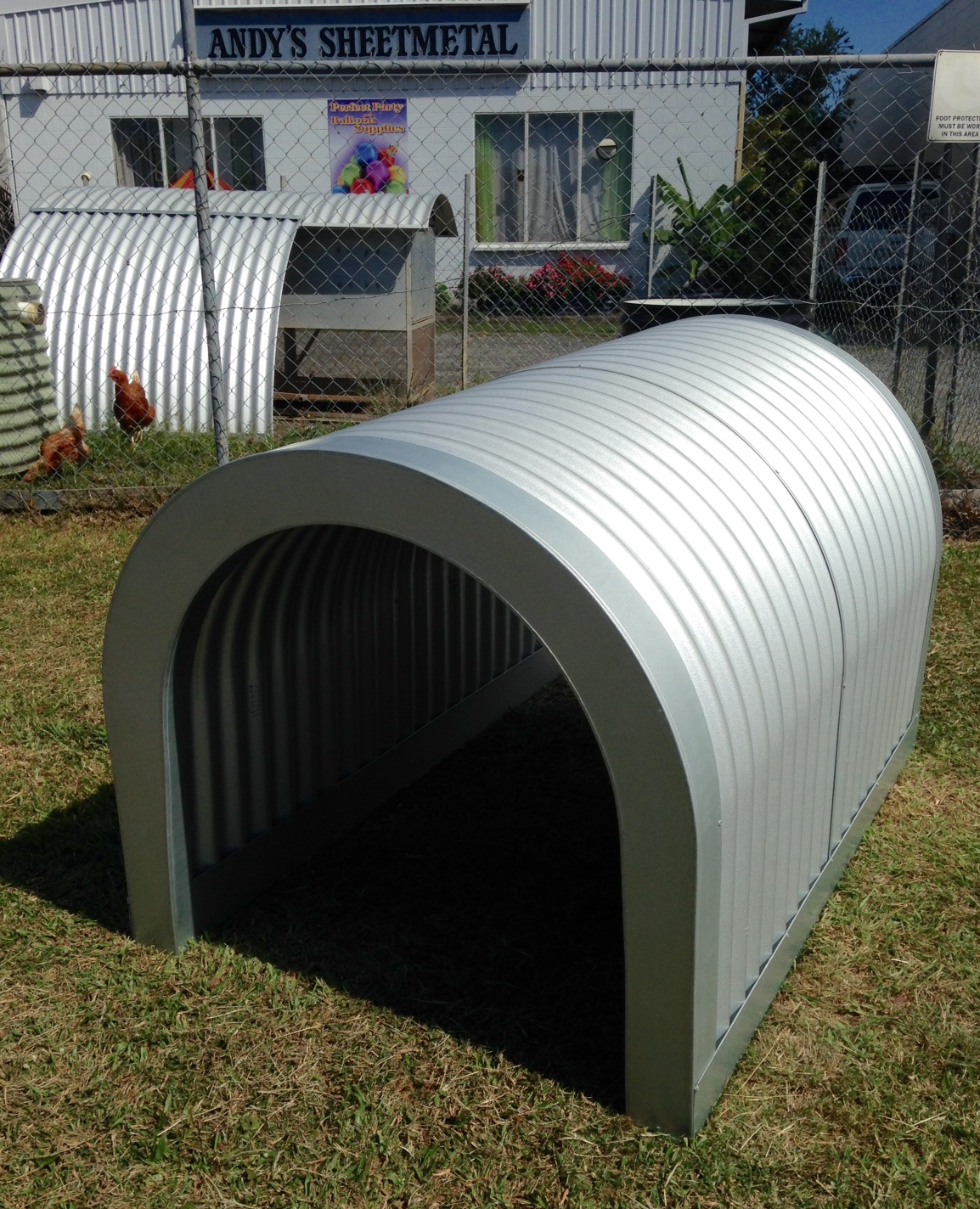 Top Of Range Deluxe Corrugated Iron Dog Kennel The Rv